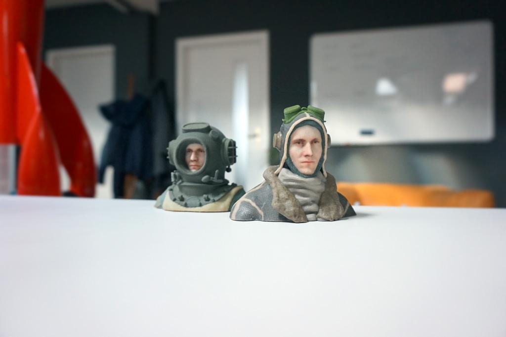 3d printed diver and pilot